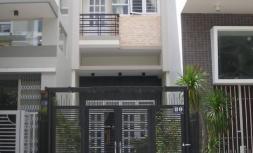 Nhà HXH đường Trần Hưng Đạo, P2, Q5, DT: 3,8x16m, 1 lầu
