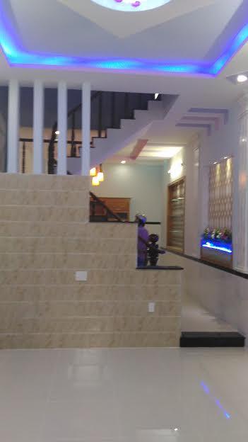Nhà một sẹc đường Lê Thị Riêng, Q12, đúc 3 tấm sổ Hồng Riêng, đường 7 mét thông