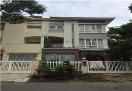 Nhà cấp 4, vị trí tốt mặt tiền đường Huỳnh Tấn Phát, Tp.HCM, Phú Mỹ, Quận 7, cần bán DT: 16m* x 93.75m!