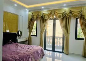 Khách sạn, mặt tiền Sư Vạn Hạnh, Q10, 5,3x9,3m, trệt 4 lầu, đang cho thuê 40tr/tháng. Giá: 17,5 tỷ 7566580